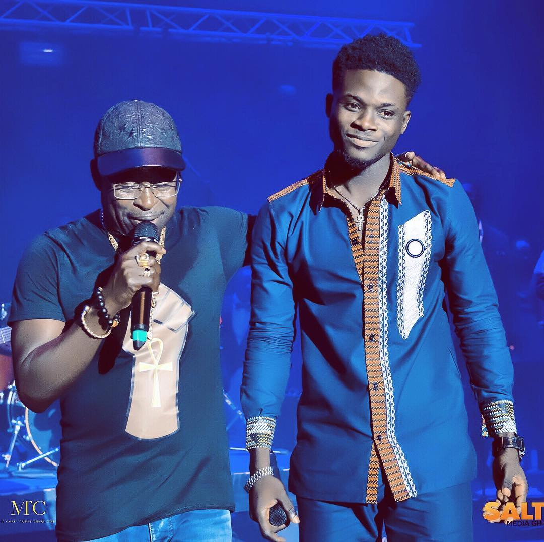Watch How Bola Ray Made Money 'RAIN' On Kuami Eugene During His Recent Performance In London