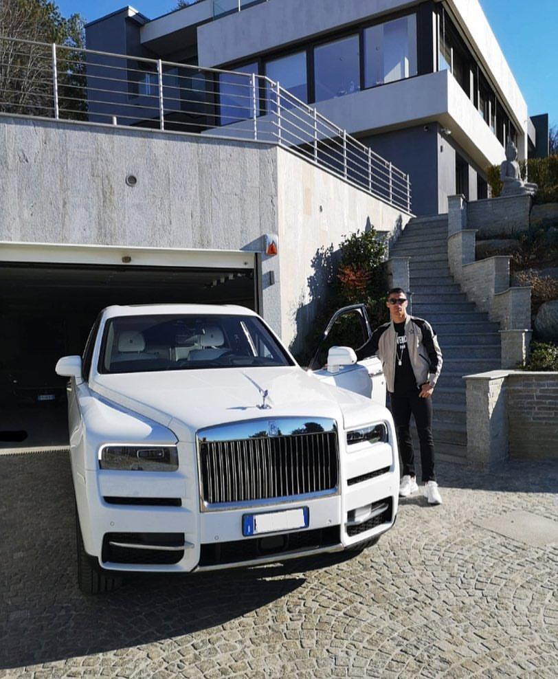 PHOTO: Cristiano Ronaldo Buys Rolls Royce's New £276k Cullinan