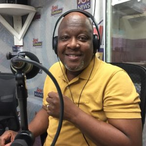 Work and Happiness! Watch as Kwami Sefa Kayi dances to Runtown's 'Mad Over You' song.